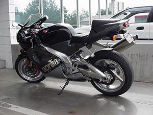 Aprilia RSV спортбайк Mille 1000 R