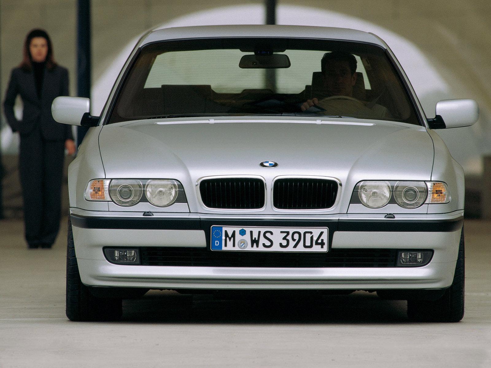 2019 - [BMW] Série 7 restylée  - Page 4 Bmw-e38-1195sm