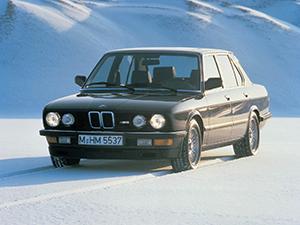 BMW M5 4 дв. седан E28