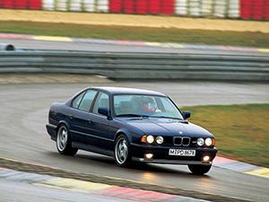 BMW M5 4 дв. седан E34