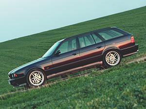 BMW M5 5 дв. универсал Touring (E34)