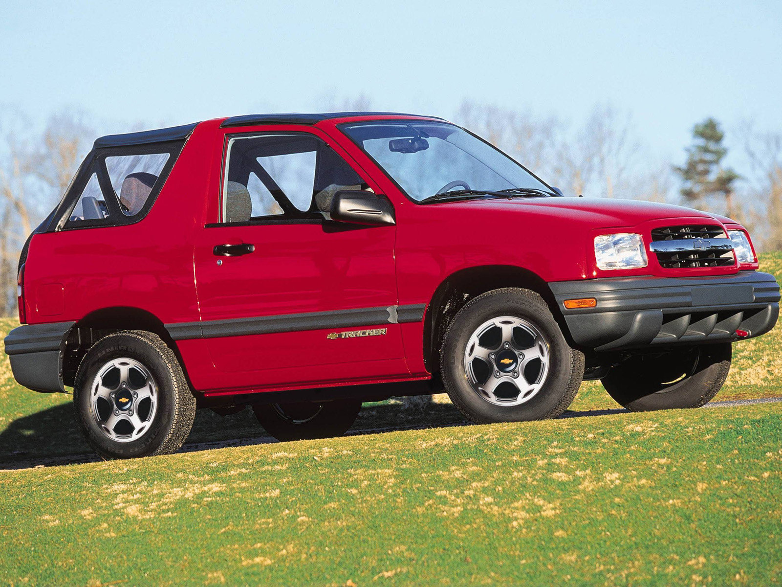 Chevrolet Tracker 2 дв. внедорожник Tracker