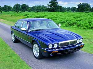 Daimler  V8 4 дв. седан V8