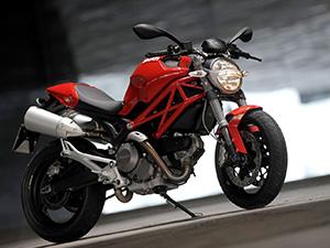 Ducati Monster спортбайк 696 Monster