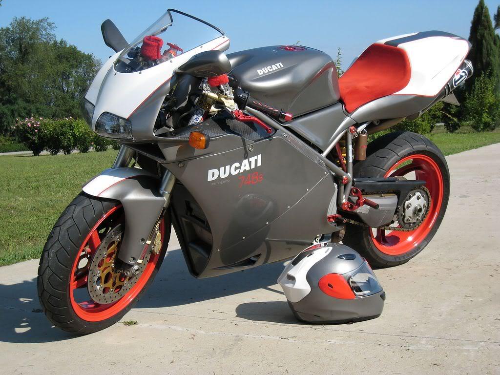 Ducati (Ду... Ducati 748 Specifications
