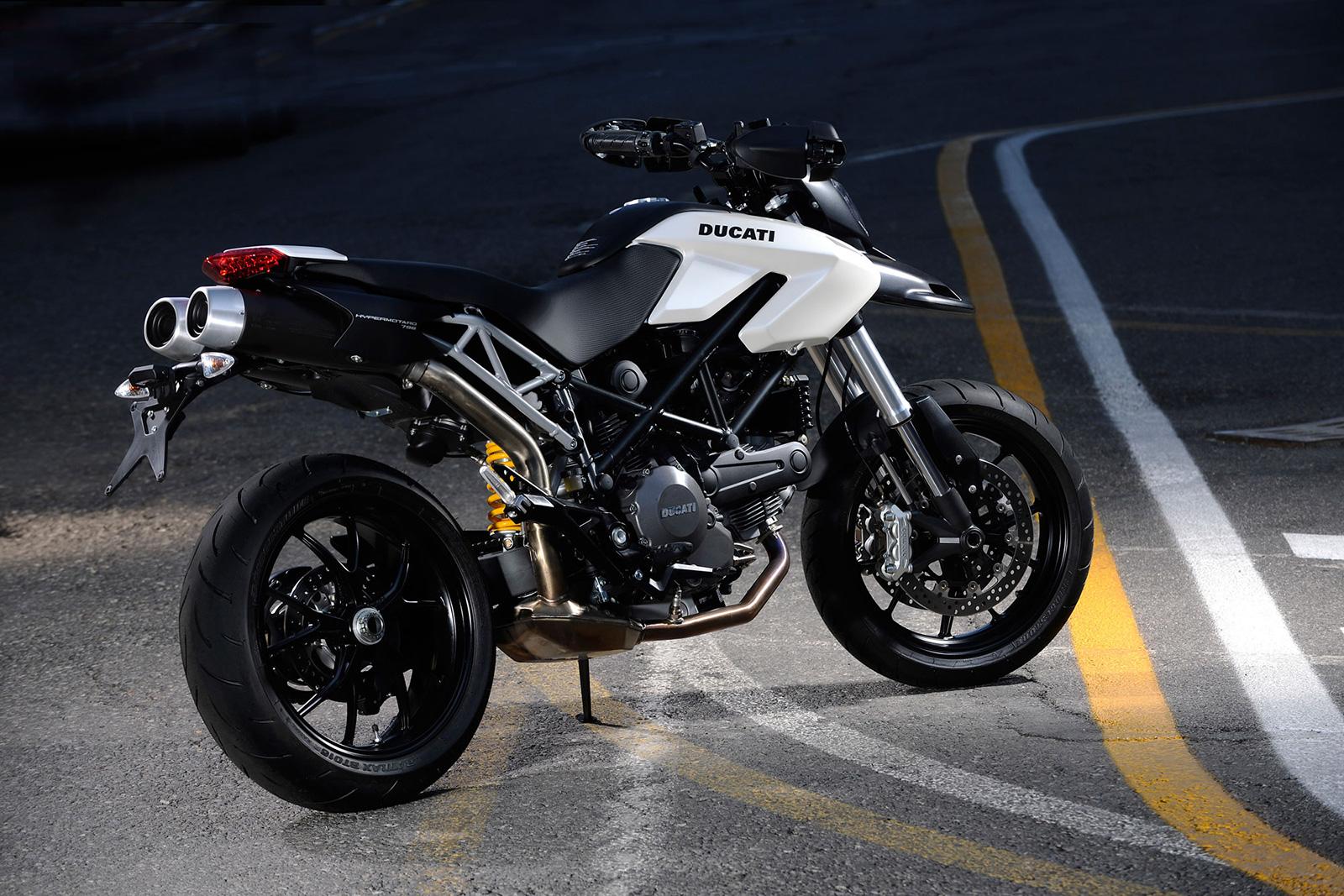 мотоцикл дукати белый скачать