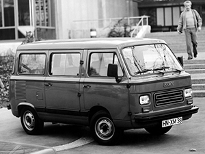 Fiat 900 4 дв. минивэн 900E Panorama
