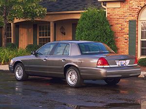 Ford Crown Victoria 4 дв. седан Crown Victoria