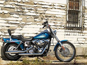 Harley-Davidson Dyna Wide Glide кастом FXDWGI Dyna Wide Glide