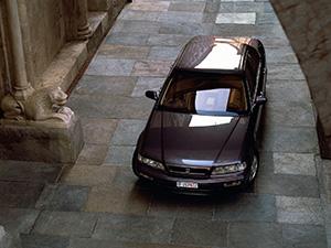 Honda Legend 4 дв. седан Legend
