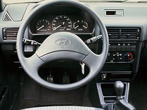 Hyundai Pony 4 дв. седан Pony