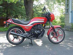 Kawasaki GPZ спортбайк 305