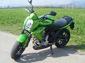 Kawasaki ER-6 спортбайк ER-6