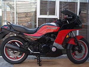 Kawasaki Z 750 спортбайк Turbo