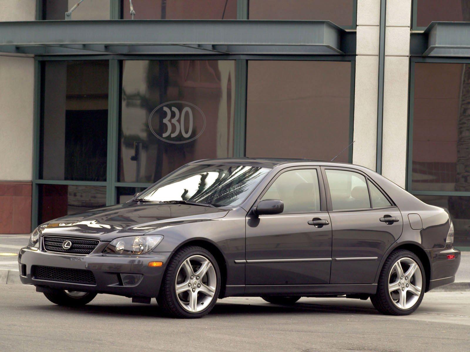 Lexus (Лексус) IS 2001-2005 г.