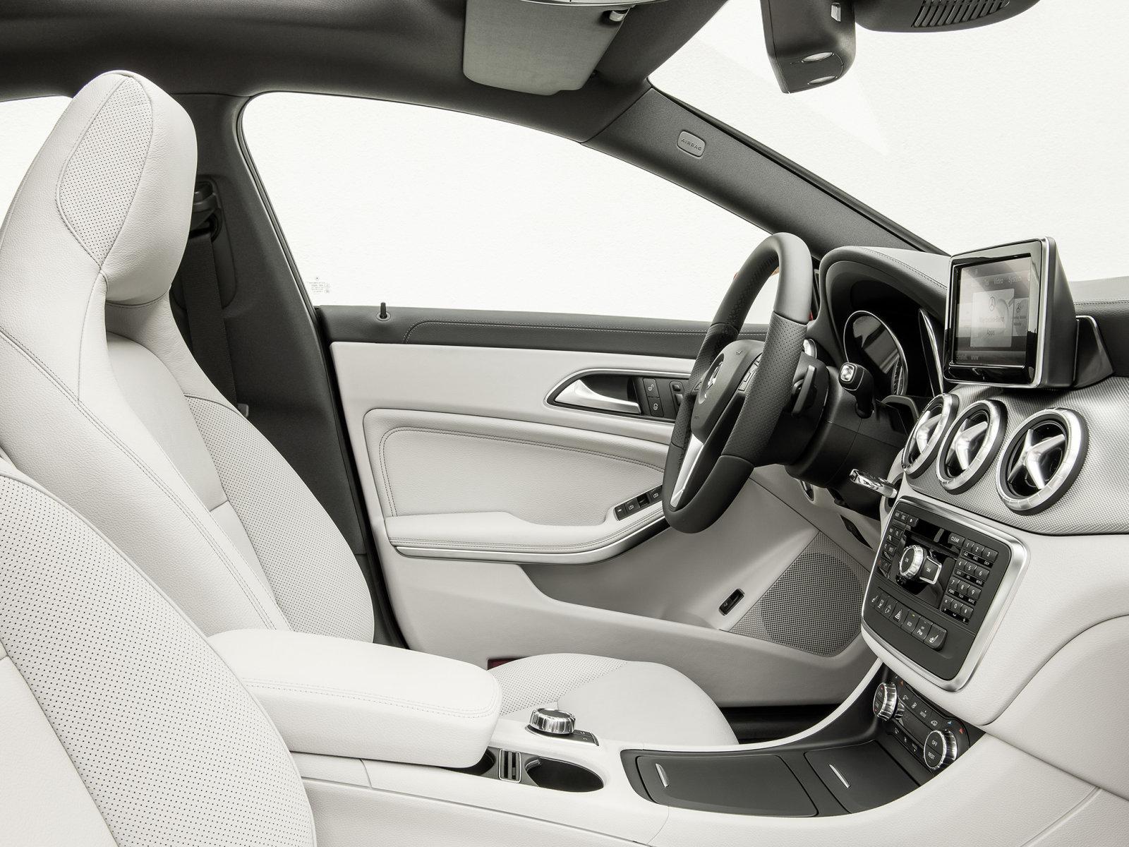 Mercedes-Benz (Мерседес-Бенц) CLA 2013- г.