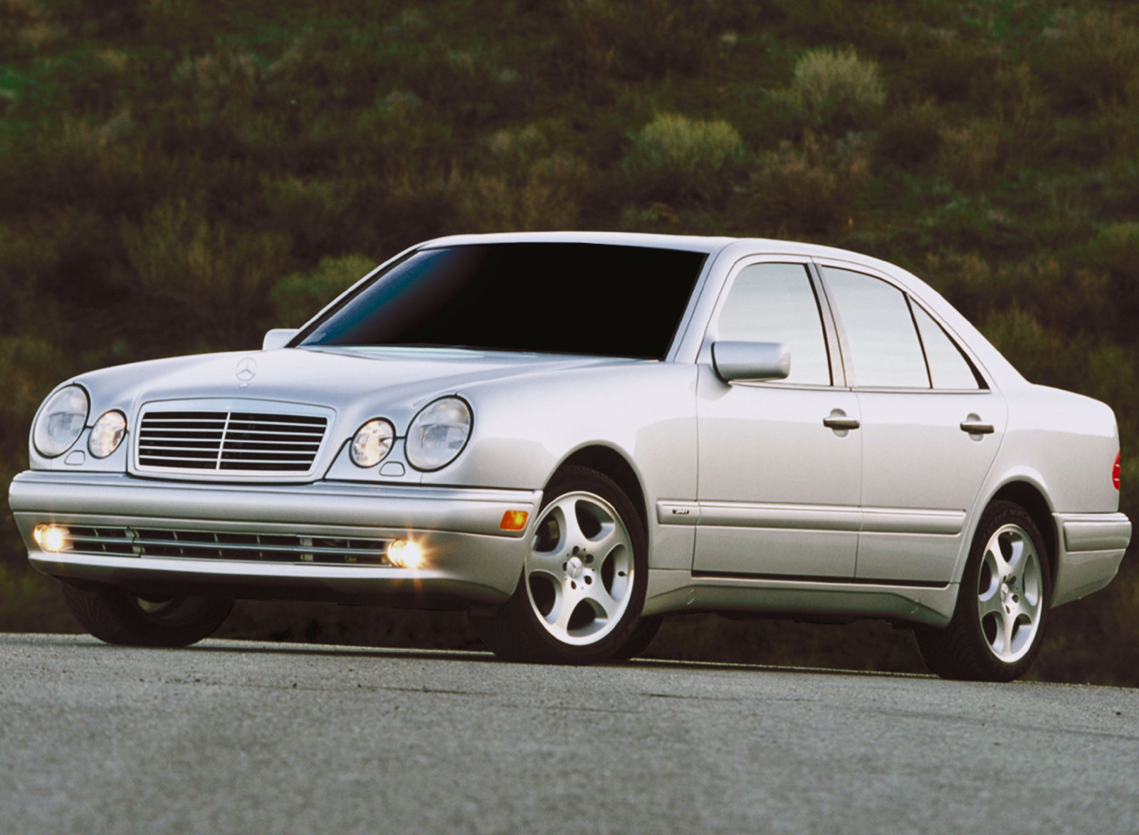 Mercedes-Benz (Мерседес-Бенц) E-class W210 1999-2002 г.