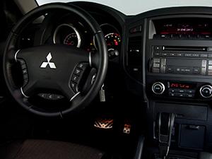 Mitsubishi Montero 5 дв. внедорожник Montero