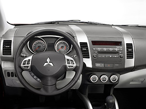 Mitsubishi Outlander XL 5 дв. внедорожник Outlander XL