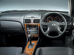 Nissan Bluebird 4 дв. седан Bluebird Sylphy I (G10)