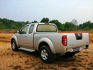Nissan Navara 2 дв. пикап King Cab