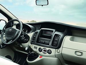 Nissan Primastar 4 дв. минивэн Primastar