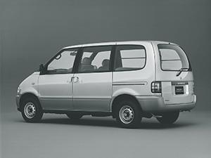 Nissan Serena 4 дв. минивэн C23M
