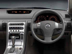 Nissan Skyline 4 дв. седан V35