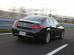 Nissan Skyline 4 дв. седан V36