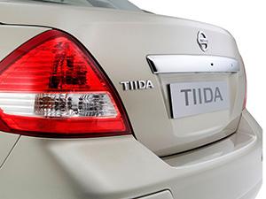 Nissan Tiida 4 дв. седан SC11