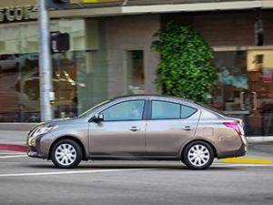 Nissan Versa 4 дв. седан Versa