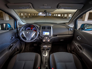 Nissan Versa 5 дв. хэтчбек Versa