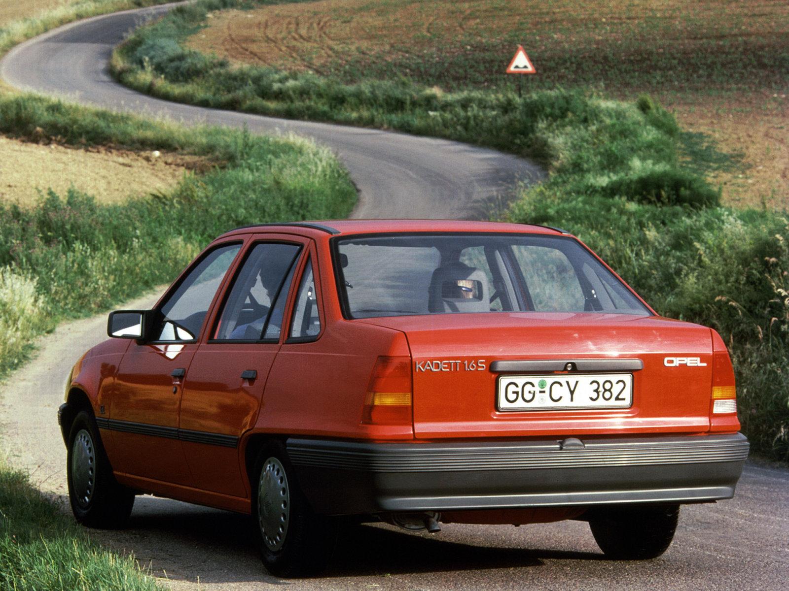 Opel (Опель) Kadett (E) 1985-1989 г.