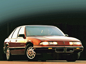 Pontiac Grand Prix 4 дв. седан Grand Prix
