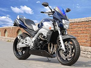 Suzuki GSR спортбайк 400