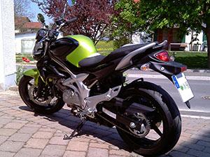 Suzuki SFV 650 спортбайк 650