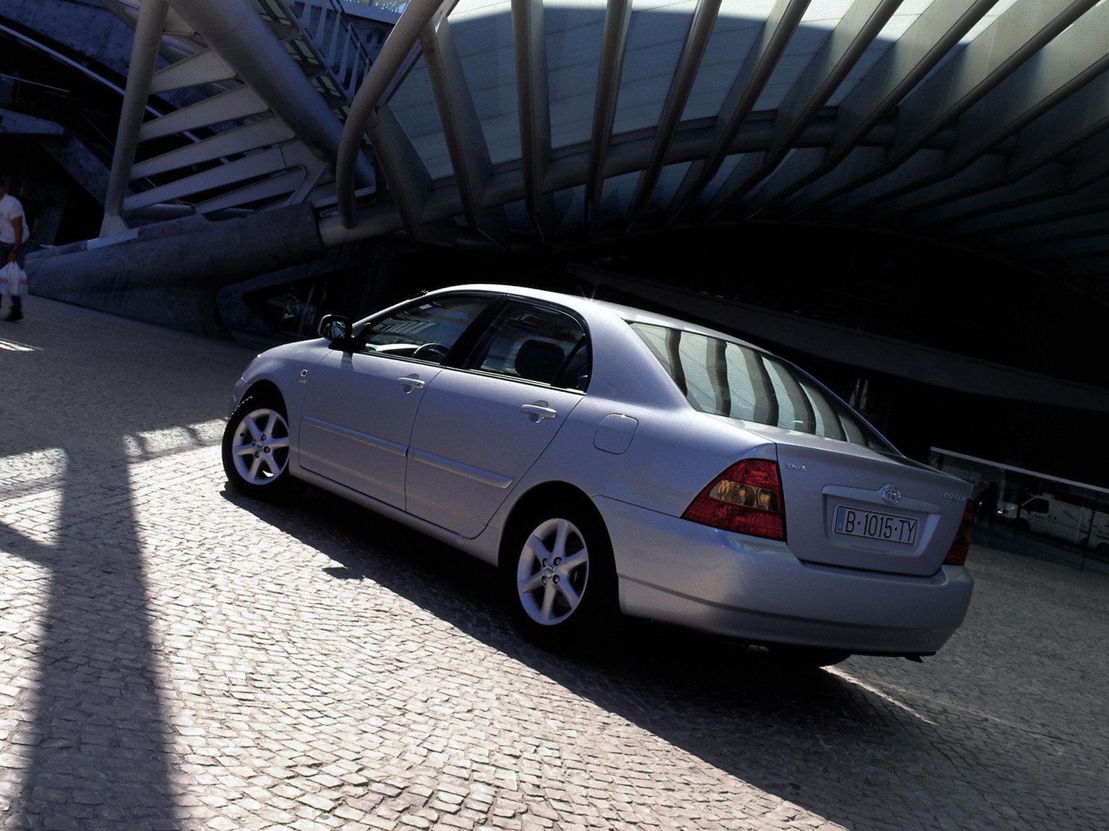 Toyota (Тойота) Corolla 2003-2004 г.