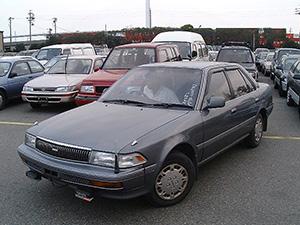 Toyota Corona 4 дв. седан Exiv