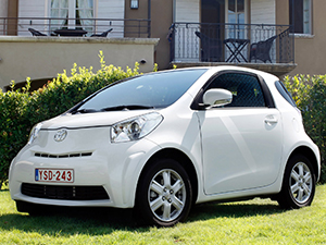 Toyota iQ 3 дв. хэтчбек iQ