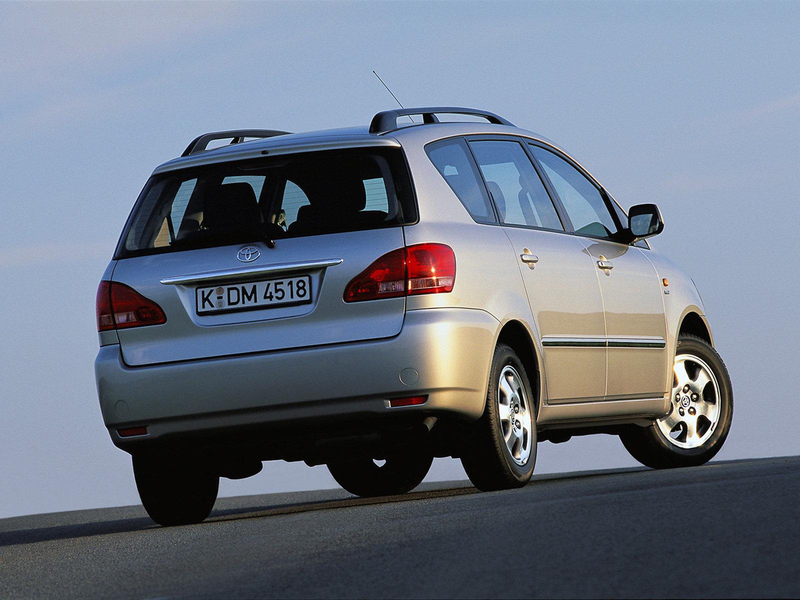 Toyota (Тойота) Avensis Verso (M20) 2001-2003 г.