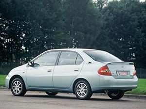 Toyota Prius 4 дв. седан (NHW10)