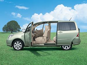 Toyota Raum 5 дв. минивэн Raum