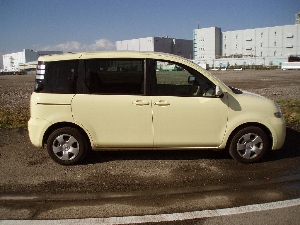 Toyota (Тойота) Sienta 2006-2010 г.