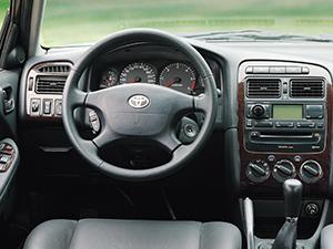 Toyota Avensis 4 дв. седан (T22)