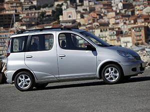Toyota Yaris 5 дв. минивэн Verso