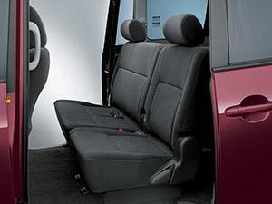 Toyota Voxy 5 дв. минивэн Voxy