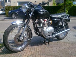 Triumph Bonneville спорт-турист T 140 V Bonneville Special