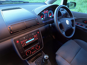 Volkswagen Beetle 3 дв. хэтчбеки New Beetle (9C/1C)