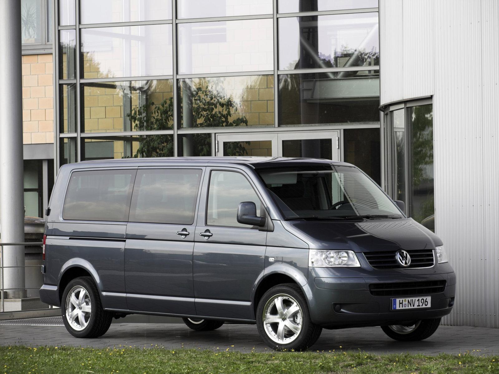 Volkswagen (Фольксваген) Multivan 2003-2010 г.