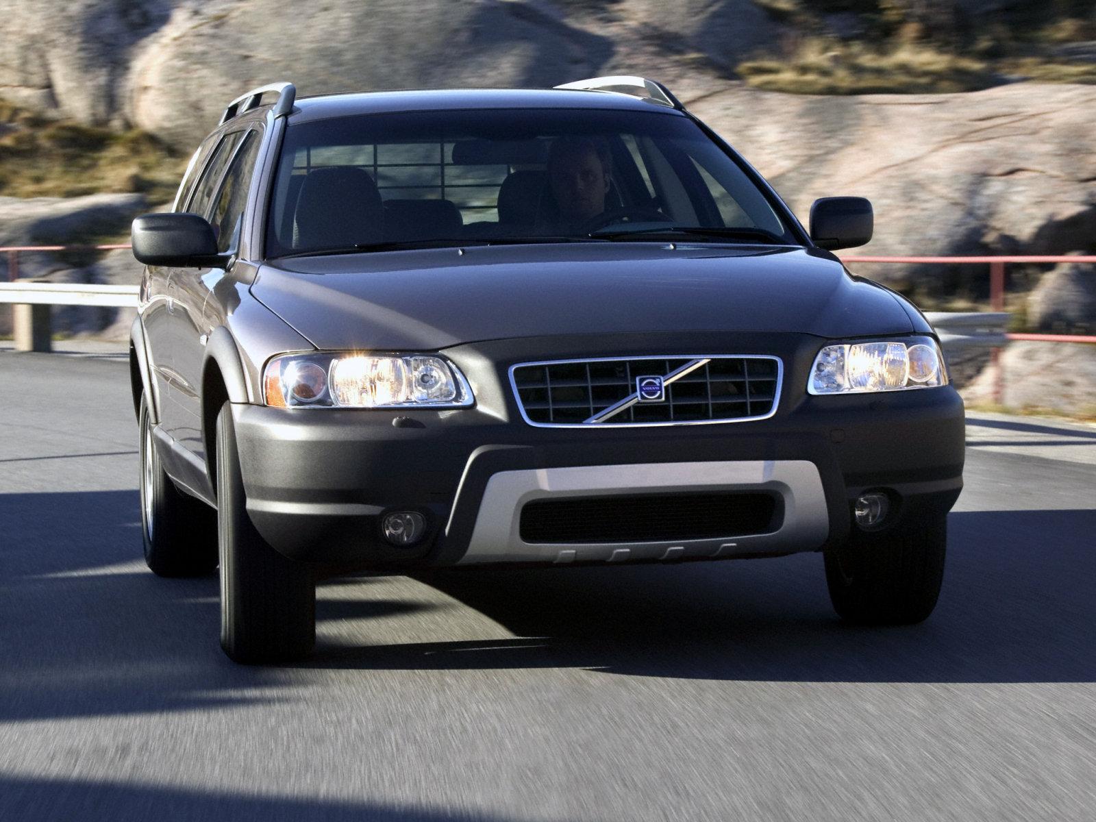 Volvo (Вольво) XC70 2004-2007 г.